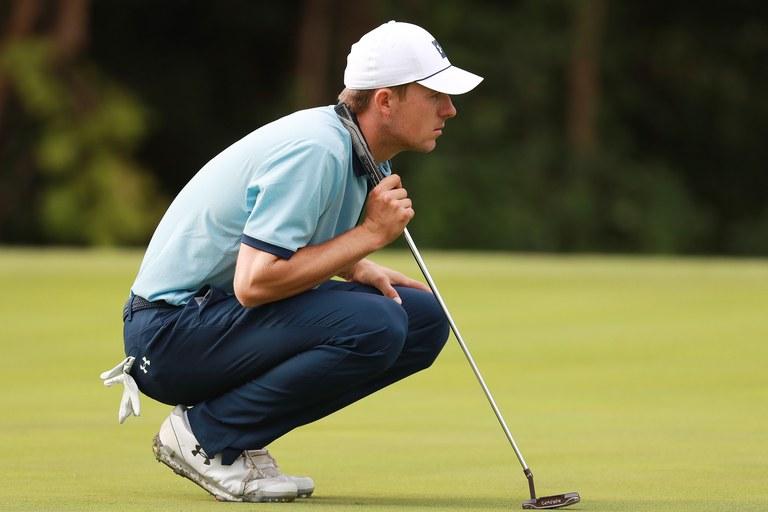 Đọc putt khi thực hiện kỹ thuật putting golf