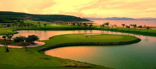 Sân golf Vinpearl Phú Quốc về chiều