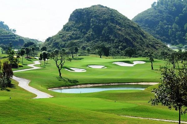 Quang cảnh của sân golf Hoàng Gia Yên Thắng Ninh Bình