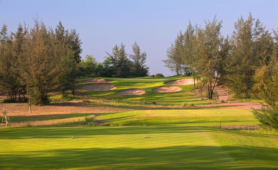 Sân golf Montgomerie Links - Đẳng cấp của một sân golf tiêu chuẩn quốc tế