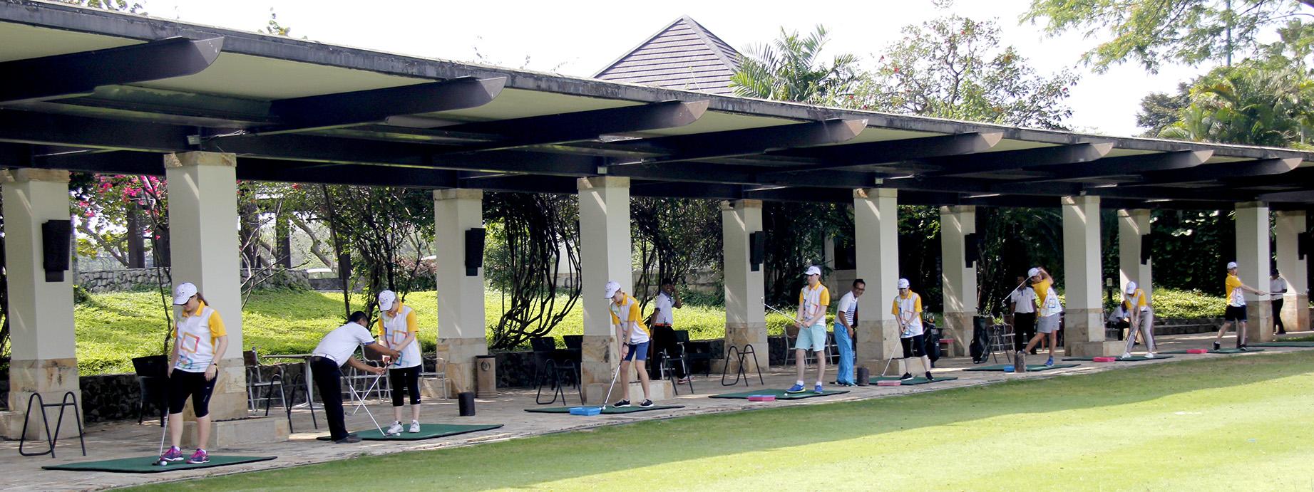 Review 5 sân tập golf hàng đầu tại Hà Nội
