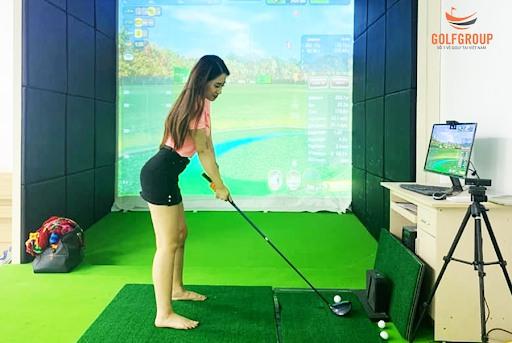 Trải nghiệm Driving range trong nhà tại GolfGroup