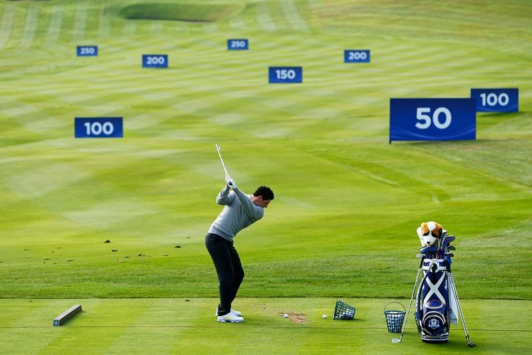 Khoảng cách đánh gậy golf tiêu chuẩn và cách kiểm soát khoảng cách đánh bóng tối ưu