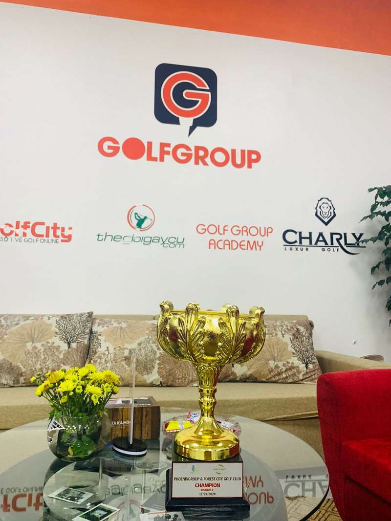 CEO Nguyễn Thị Phương Thảo xuất sắc giành Cup vàng bảng Nữ