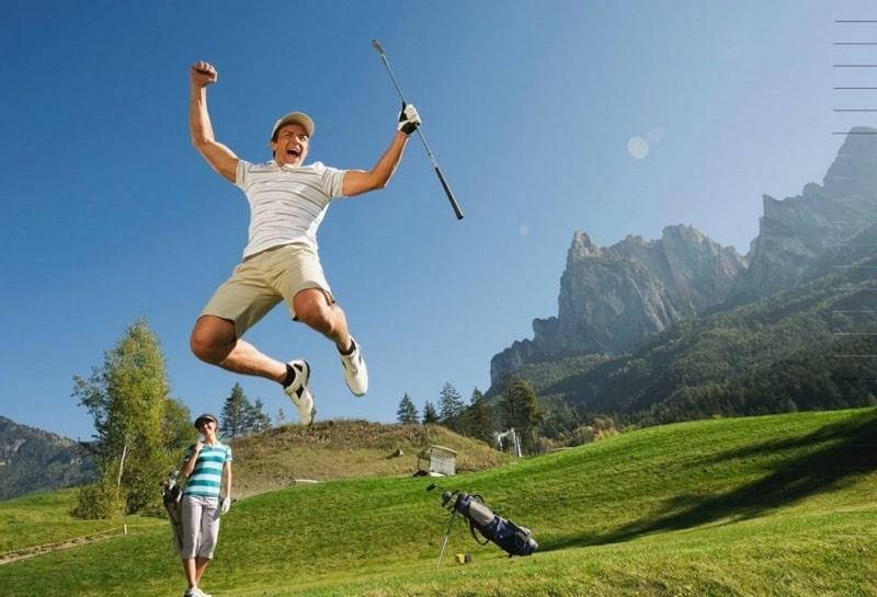 Albatross là gì? Nó là một thuật ngữ được dùng để chỉ những điểm số rất khó đạt được trong golf.