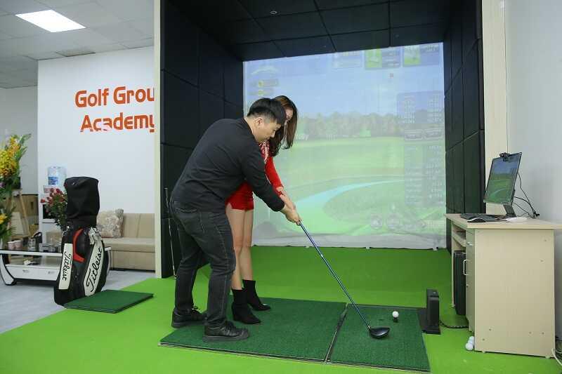 Đánh thử gậy tại phòng golf 3d của GolfGroup