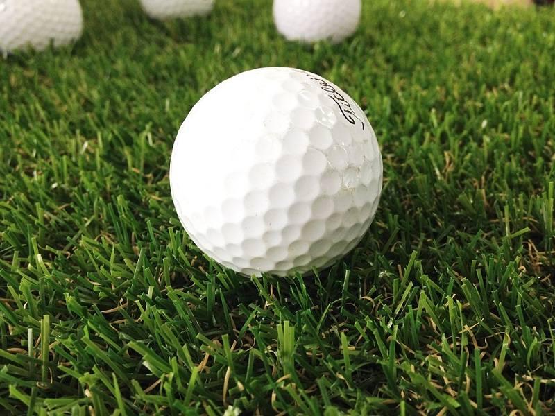 Bóng golf nặng bao nhiêu? - Hiện nay có rất nhiều loại nhưng không vượt quá 45,93 gram