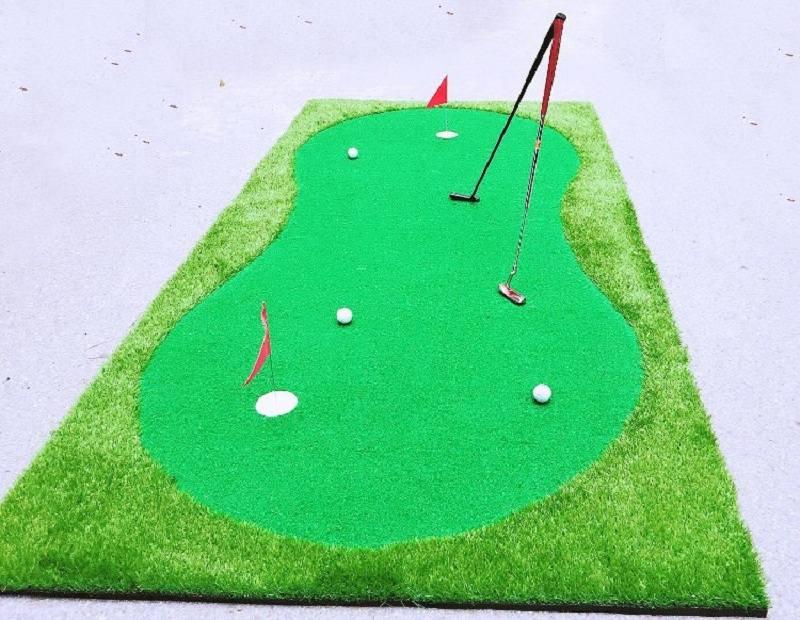 Mỗi golfer nên trang bị cho mình một bộ đánh golf mini ngay tại nhà để tập luyện