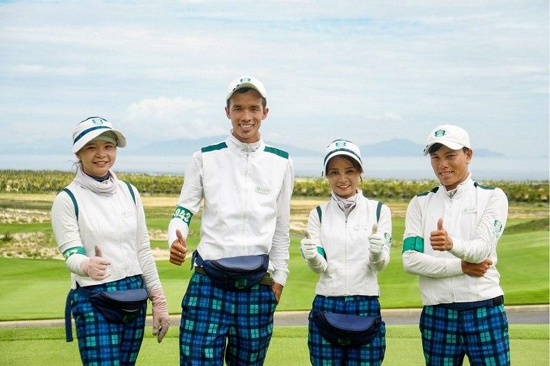 """Cuộc thi ảnh """"Caddie trong tôi"""" do tập đoàn GolfGroup tổ chức nhằm tôn vinh ngành nghề này"""