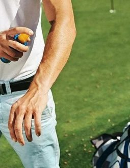 Golfer nên lựa chọn các cửa hàng uy tín, chính hãng để mua kem chống nắng