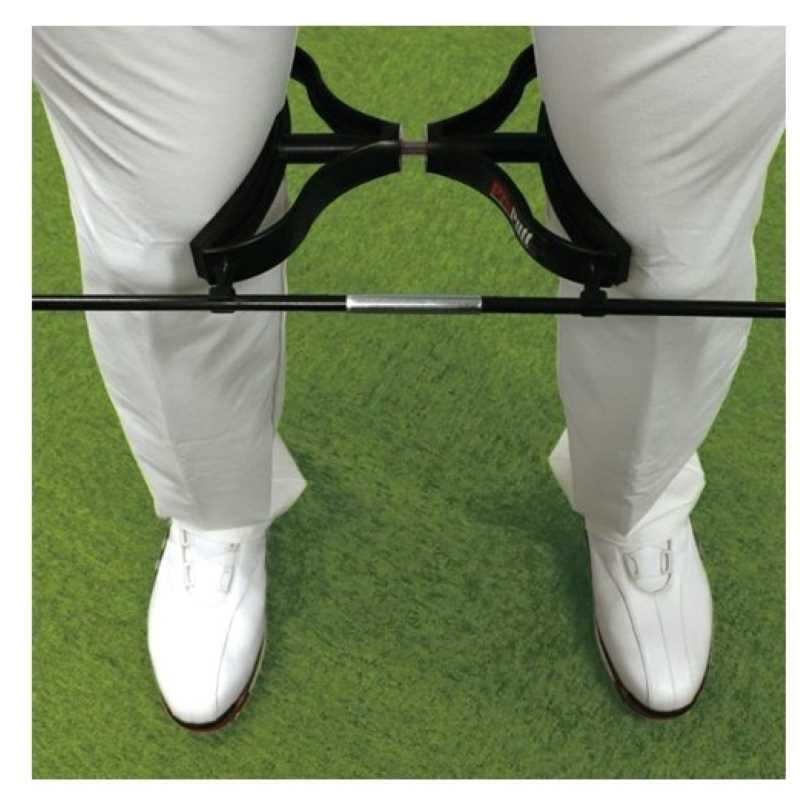 Dụng cụ này giúp cố định khoảng cách chân cho các golfer nhằm hỗ trợ tư thế phát bóng chuẩn nhất