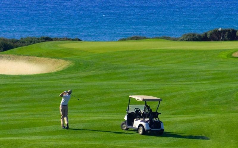 Gậy âm trong golf là gì