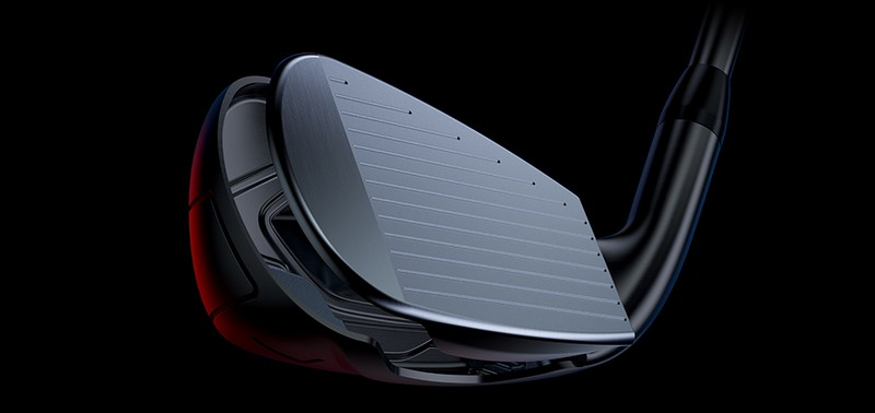 Miếng chèn hai mặt giúp Titleist T400 ổn định và phát bóng chuẩn xác hơn