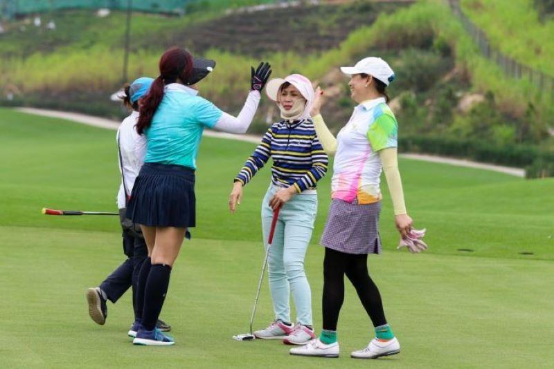 Giải Golf nữ đầu tiên được diễn ra vào năm 2012 tại sân golf Lakeside, Đồng Mô, Sơn Tây, Hà Nội.