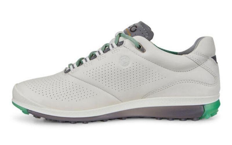 Mẫu giày có thiết kế vô cùng đẹp mắt