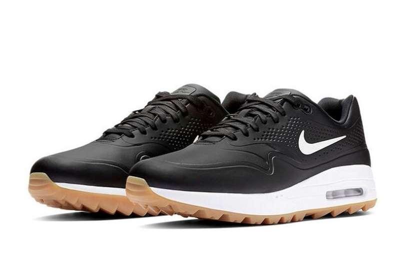 Lựa chọn giày golf phù hợp giúp tăng hiệu suất khi đánh bóng