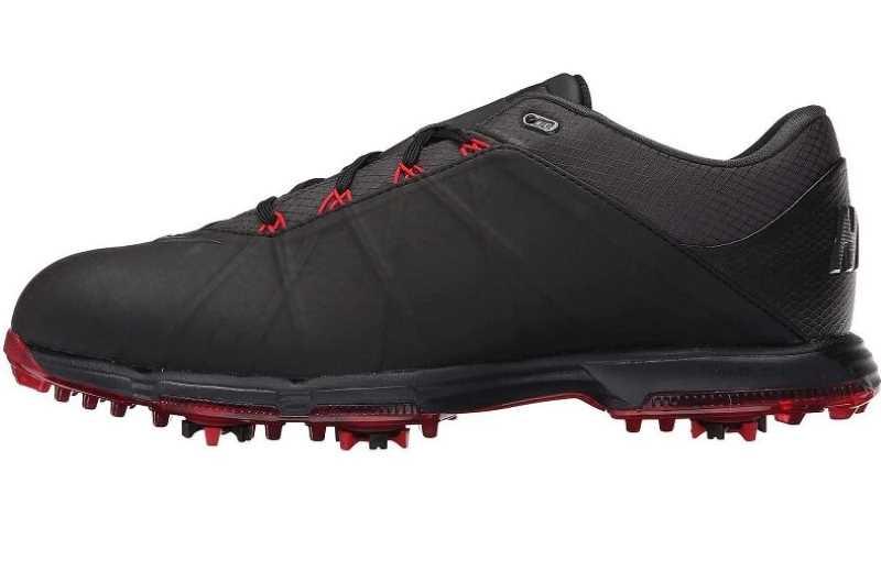 Thiết kế nhỏ gọn, năng động, trẻ trung cho các golfer nam