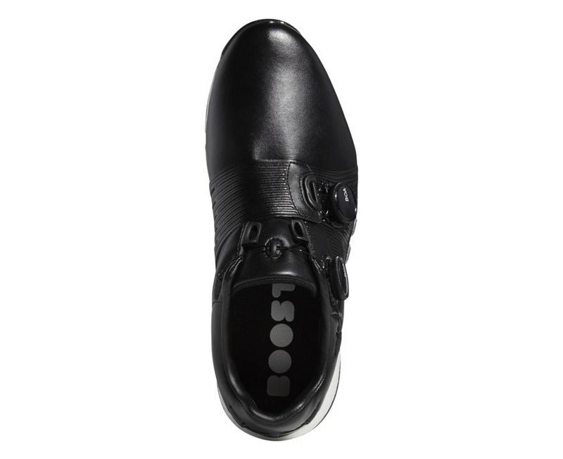 Giày có thể chống chọi trong điều kiện thời tiết ẩm ướt