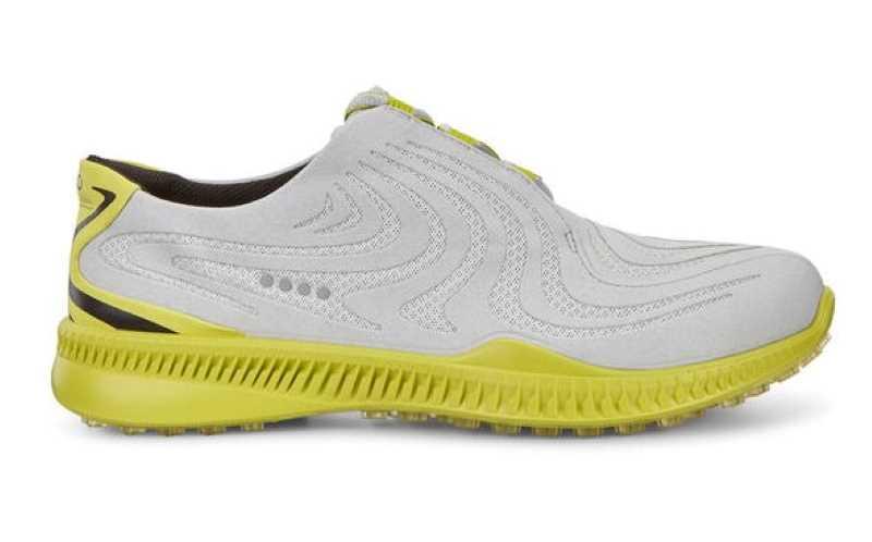 Mẫu giày này sử dụng màu sắc tươi mới đem lại sự trẻ trung, năng động