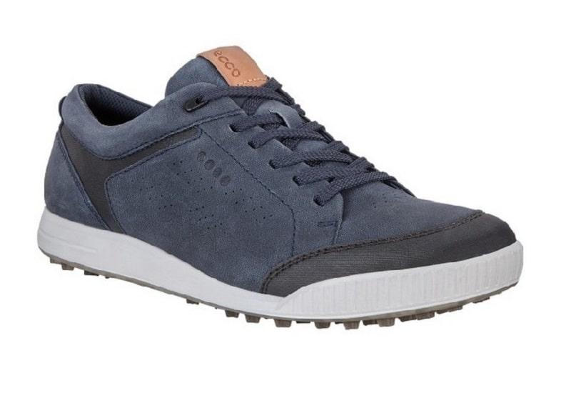 Giày có rất nhiều tính năng nổi bật cho người dùng
