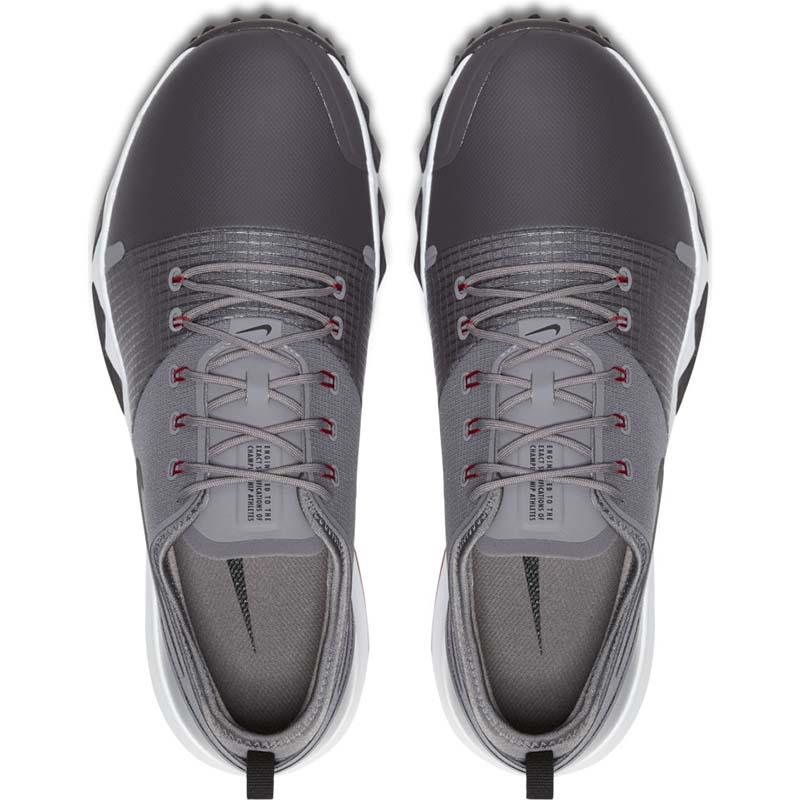 Nike Men FI Impact 3 được làm bằng vải mềm nên vô cùng êm ái