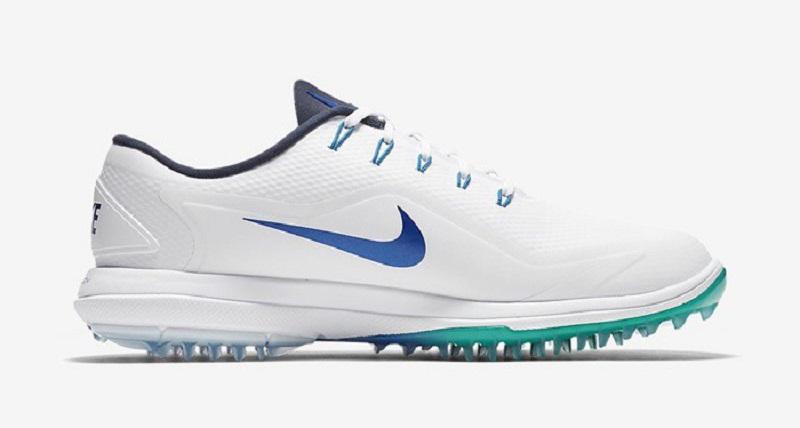 Giày có thiết kế đường nét thể thao, khỏe khoắn nên có thể thích hợp cho cả việc chơi golf lẫn các môn thể thao khác