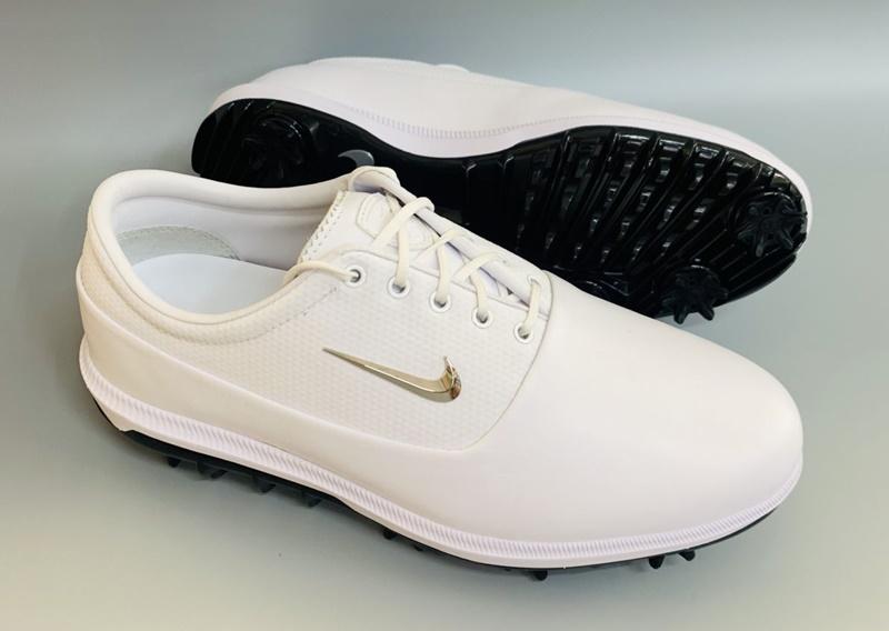 Nike Air Zoom Victory Tour có màu trắng mang đến sự sang trọng, tinh tế
