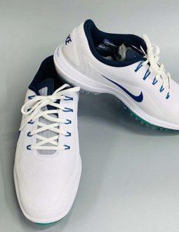 Mẫu giày Nike Men Lunar Control 2W được golfer đánh giá cao