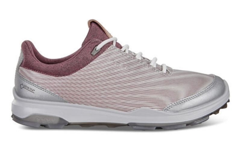 Mẫu giày đặc biệt phù hợp với các golfer nữ