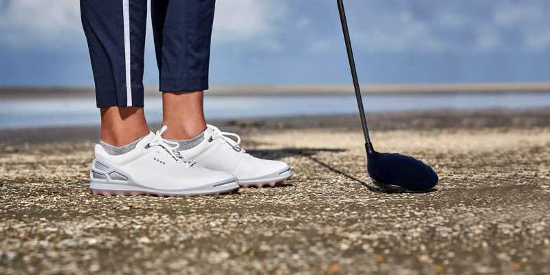 Giày đi lên chân vừa sang trọng vừa trẻ trung