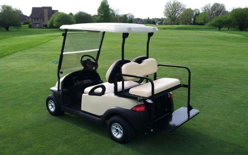 Golf Cart có thể dùng để chở người còn Golf Buggy chỉ dùng để di chuyển phụ kiện chơi golf