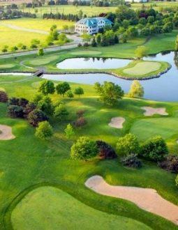 Golf course là thuật ngữ sử dụng để chỉ vùng sân golf sử dụng trong chơi hoặc thi đấu