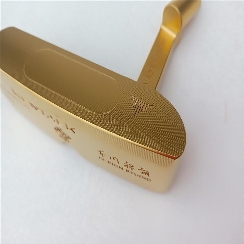 """Giá của một chiếc gậy đánh golf Kentack khá """"chát"""""""