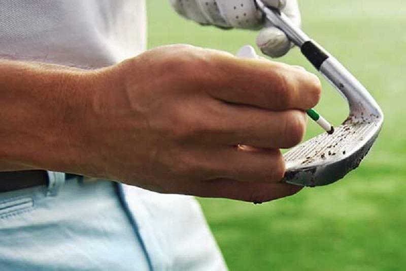 Lựa chọn gậy golf tay trái, người chơi nên chú ý đến chất liệu cán