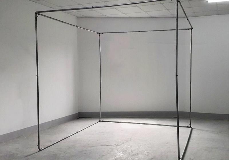 Các thanh sắt sau khi được nối với nhau tạo thành hình hộp