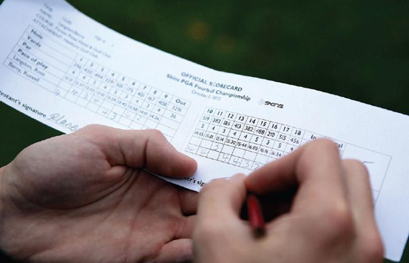 Cách tính điểm phổ biến nhất dựa trên số cú đánh mà golfer thực hiện để đưa bóng vào lỗ