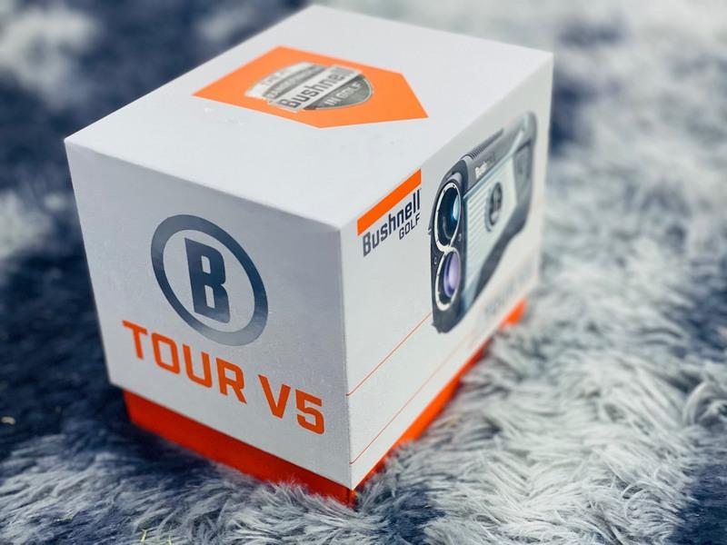 Bushnell Tour V5 - công cụ hỗ trợ đắc lực cho việc tập luyện của các golfer