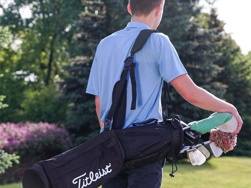 Trả lời cho câu hỏi nên chọn túi gậy golf như nào thì túi Carry Bag là sự lựa chọn hàng đầu