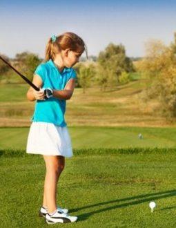 nên mua gậy golf nào cho trẻ