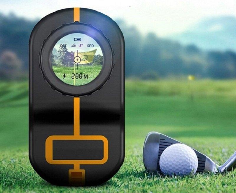 Ống nhòm, máy đo khoảng cách golf là thiết bị mà bất cứ golfer nào cũng nên có
