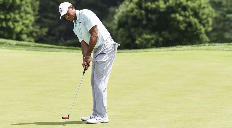 Huyền thoại làng golf Tiger Woods sở hữu những cú putter đẳng cấp