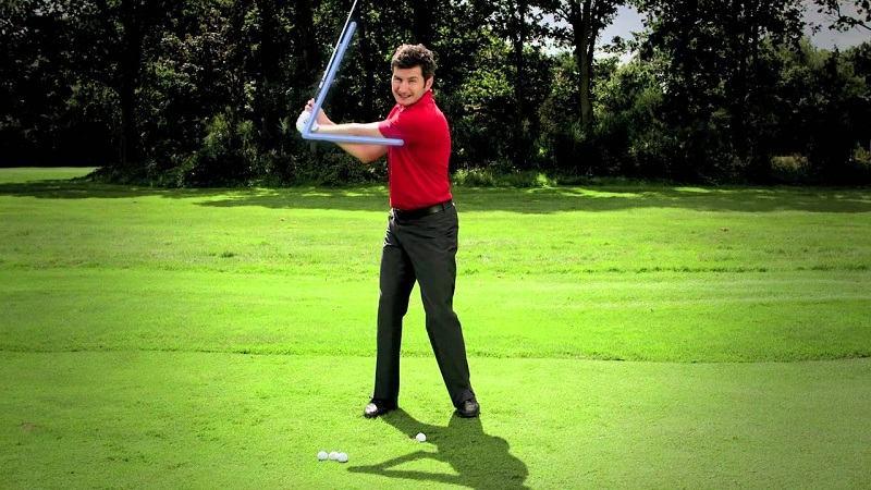 Pitching golf là gì? Các golfer nhất định phải nắm rõ kỹ thuật này