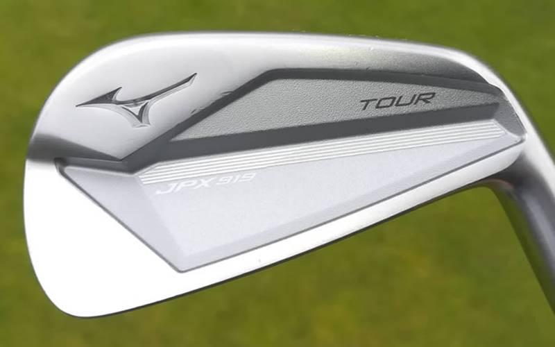 JPX919 Tour được thiết kế để hướng đến những golfer có handicap thấp hoặc golfer chuyên nghiệp