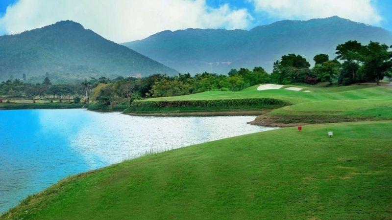 Sân golf Hà Nội mang tới không gian chơi golf tuyệt vời