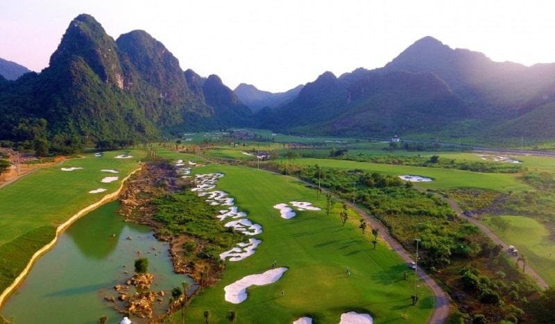 Sân golf KIm Bảng Hà Nam nằm tại vị trí vô cùng lý tưởng