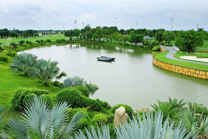 Dòng sông Đồng Nai bao quanh giúp sân golf Long Thành nên thơ, hữu tình hơn