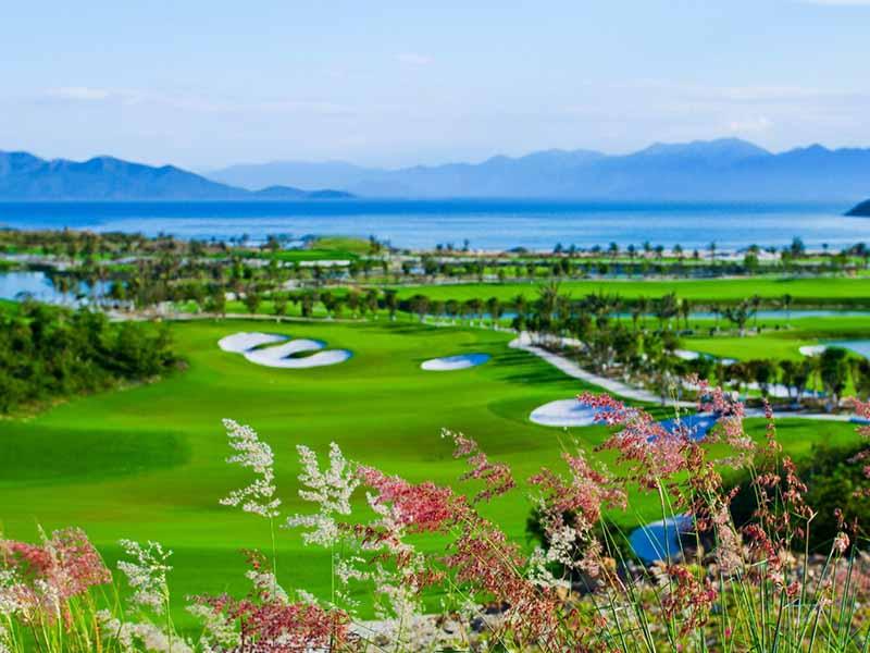 Khung cảnh tuyệt đẹp tại sân golf Phú Quốc