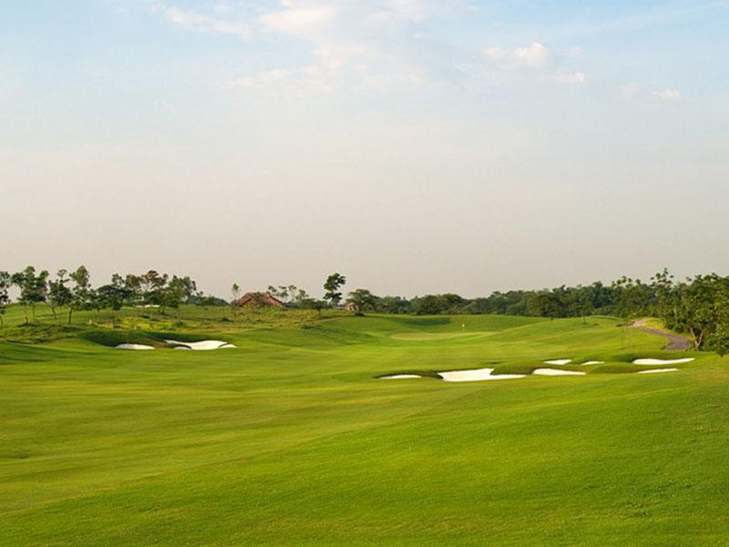 Sân golf Skylake được đánh giá nằm trong top những địa điểm chơi golf hàng đầu của Việt Nam