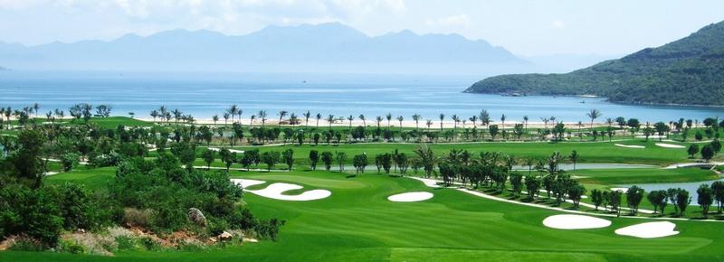 Sân Vinpearl Golf Hải Phòng có khung cảnh tĩnh lặng và thư giãn