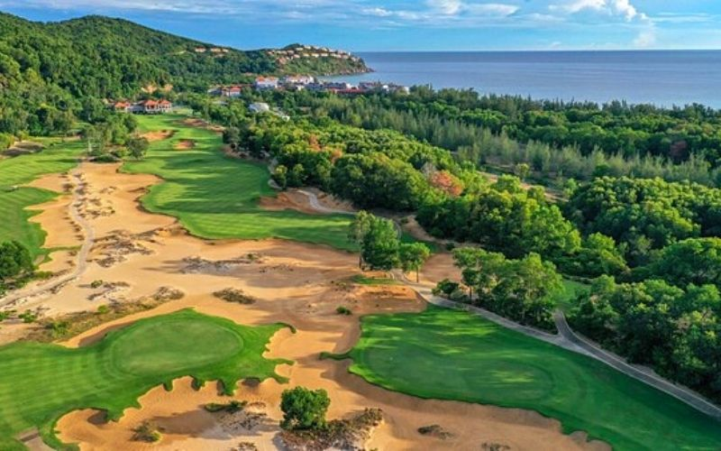 Sân golf giáp biển độc đáo với những thử thách thú vị